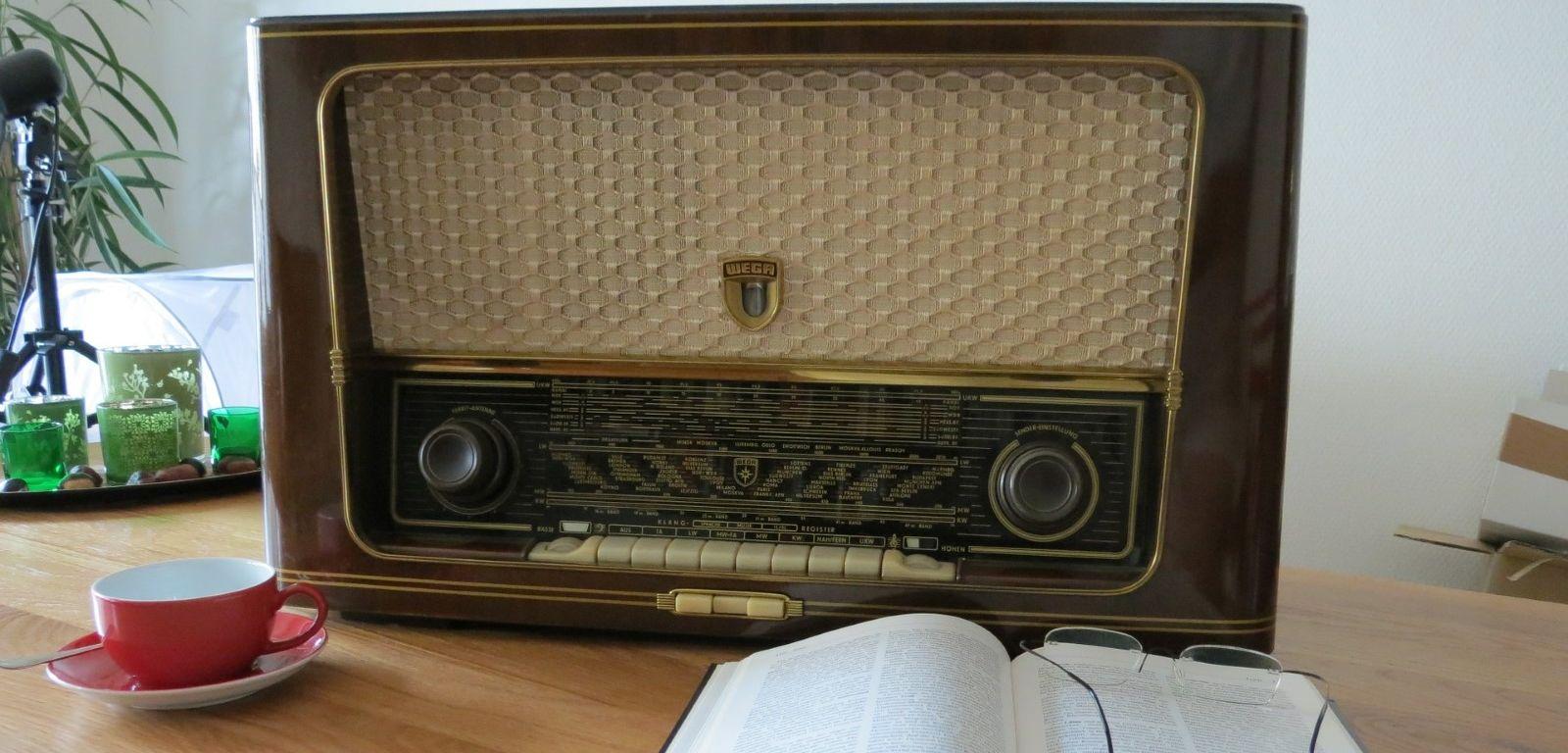 homepage-radio-476457.jpg