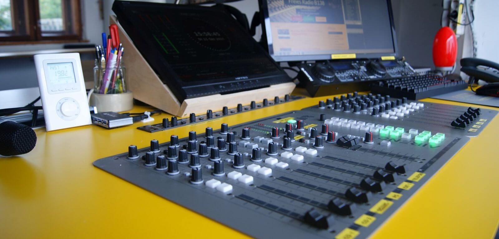 homepage-studiotisch.JPG